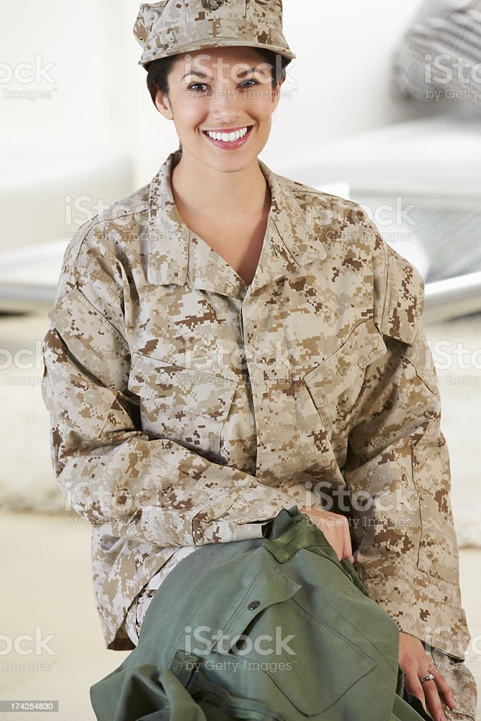 Female Soldier With Kit Bag Home For Leave royalty-free stock photo