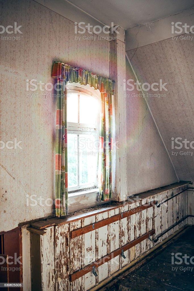 Fenster mit Sonnenlicht stock photo