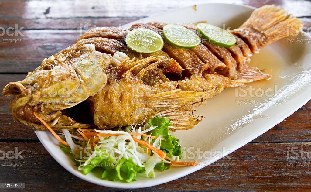 Centrale pesce con fishsauce Delizioso cibo thailandese foto stock royalty-free