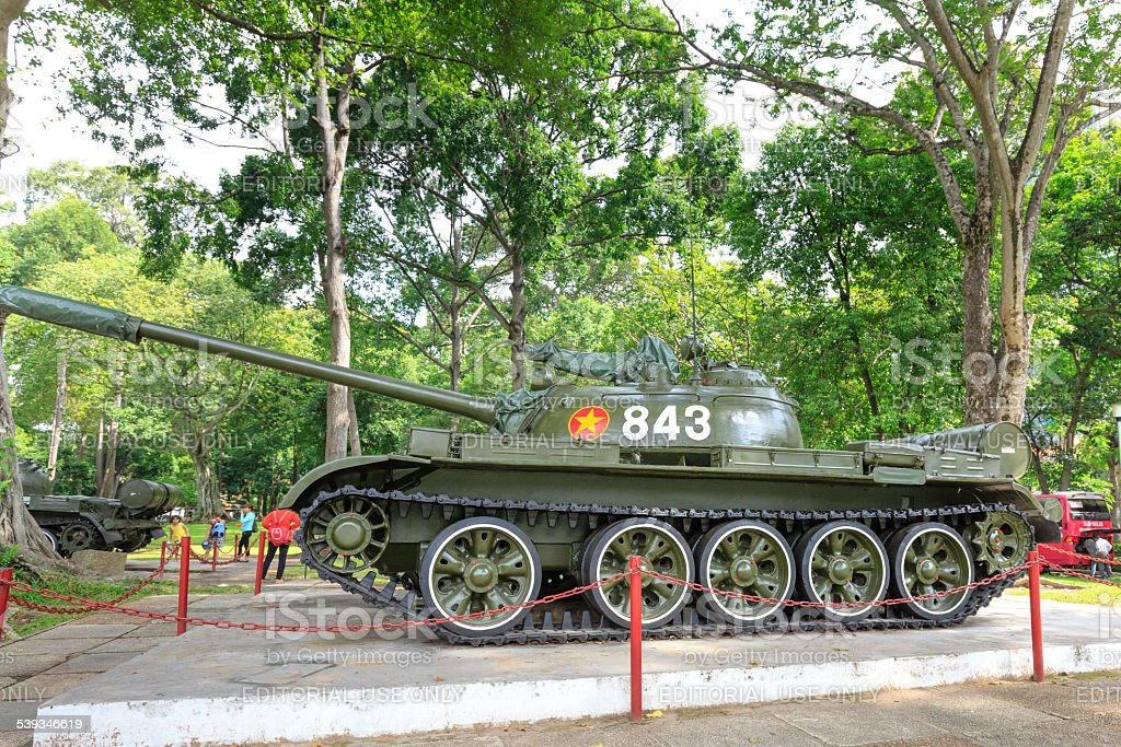 first tank knocked soarin Independence Palace main gate in 1975 stock photo