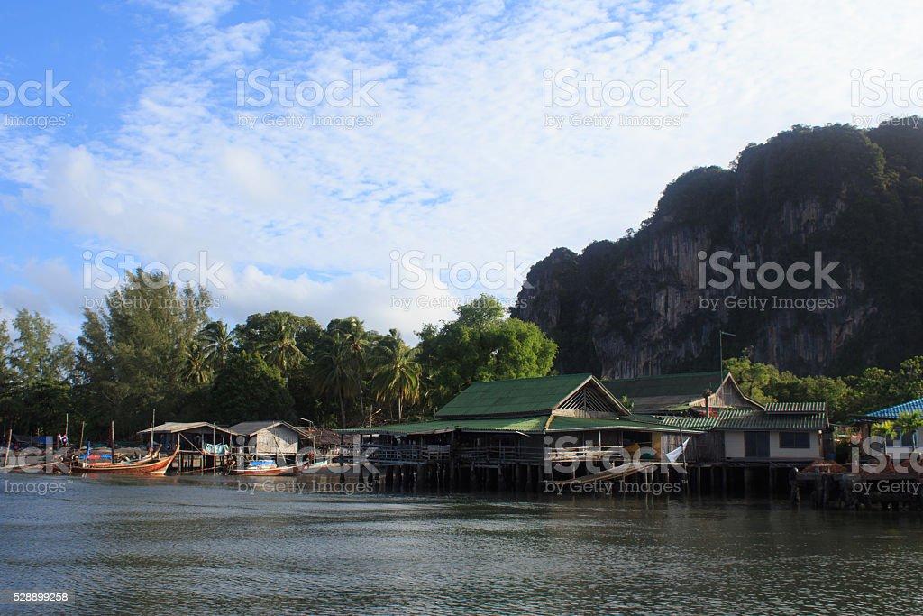 Рыбацкий поселок Встаньте на море, Таиланд Trang Стоковые фото Стоковая фотография