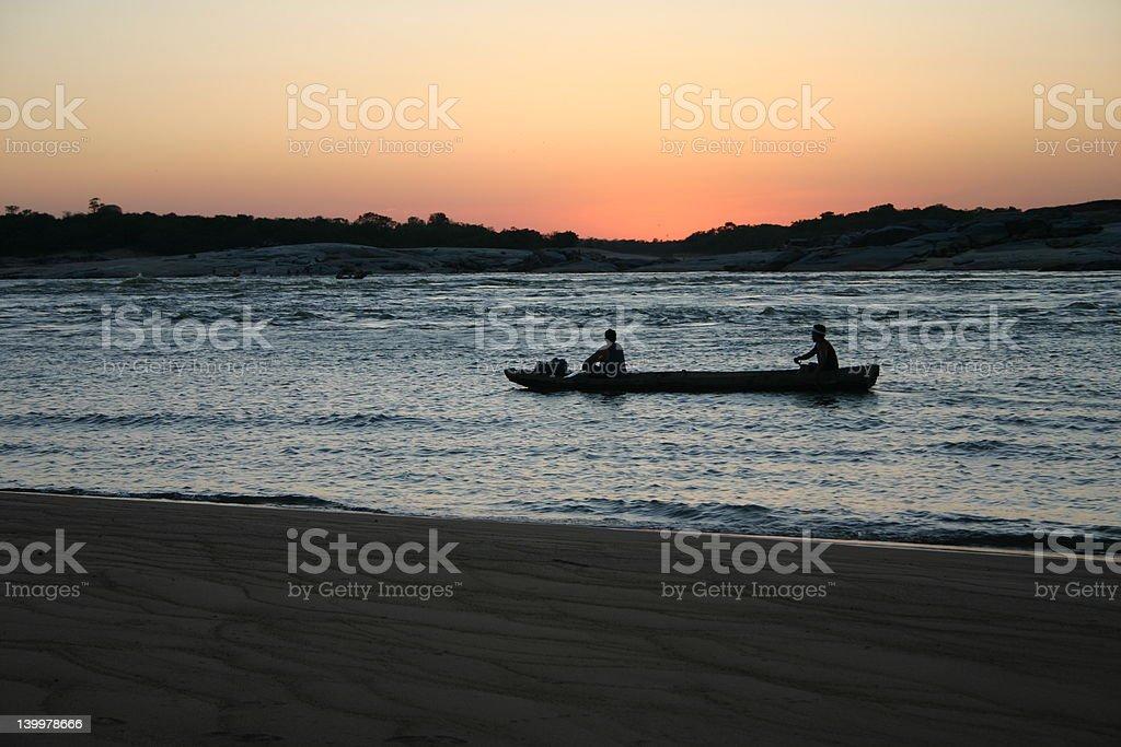 Fischer in den Amazonas. Orinoco Fluss Lizenzfreies stock-foto
