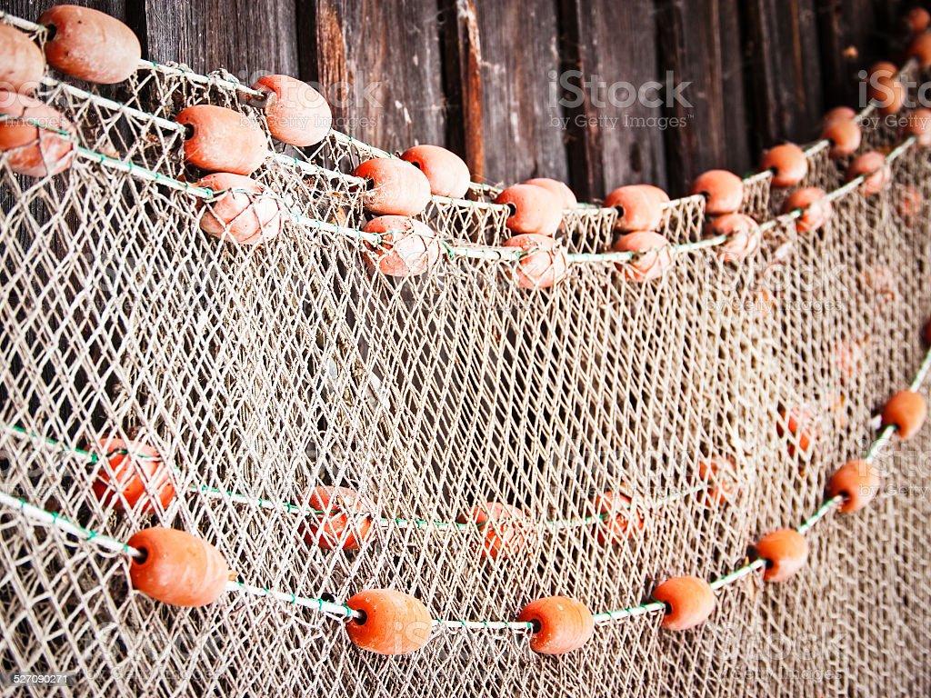 плетем сетку для рыбалки