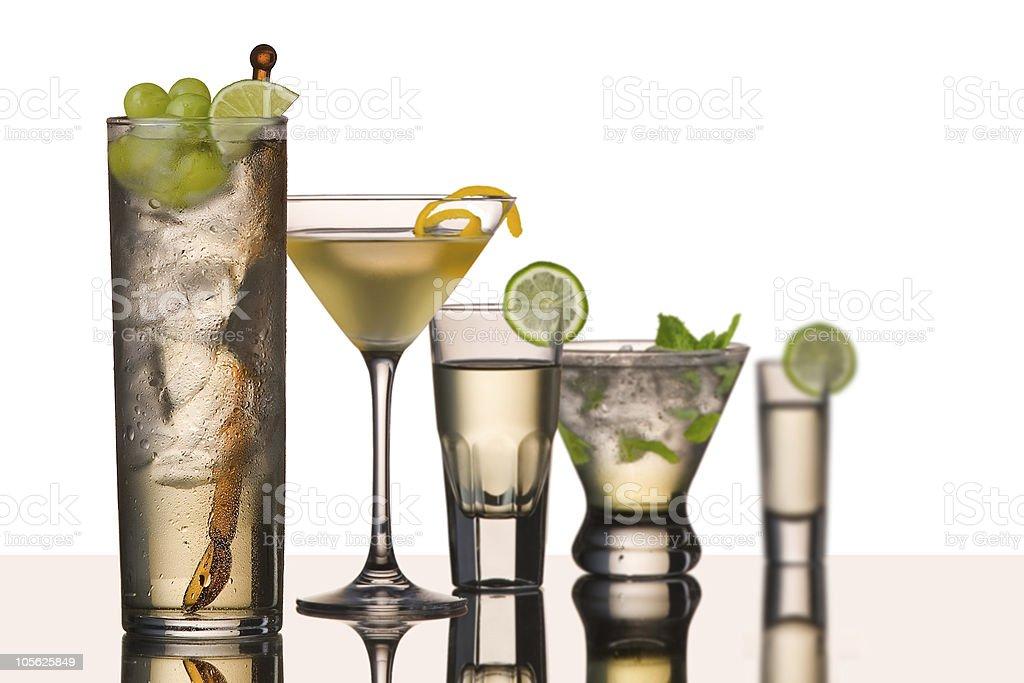 Cinco cócteles de vodka. foto de stock libre de derechos