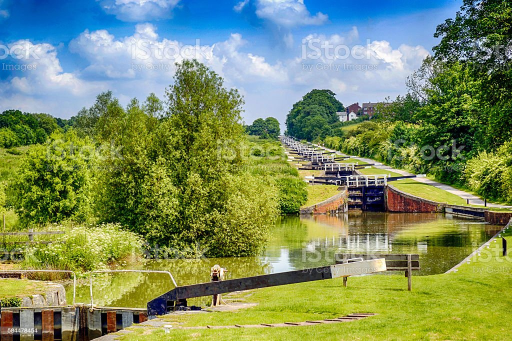 Flight of locks rising 230ft over Caen Hill at Devizes stock photo