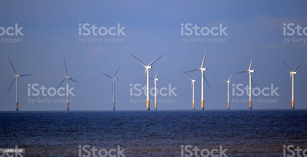 Eoliennes flottant photo libre de droits