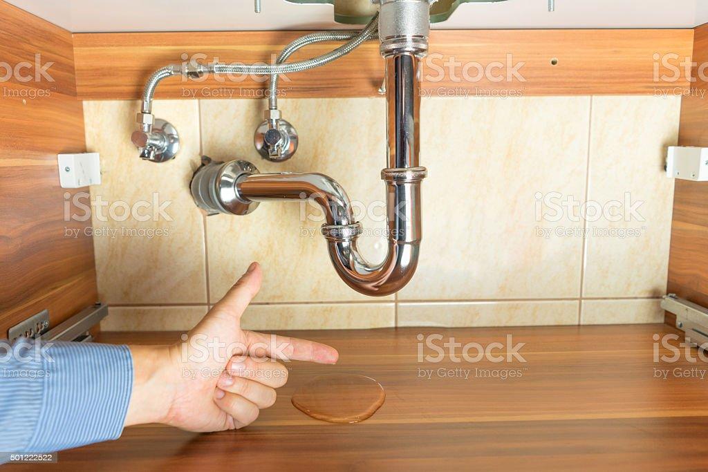 Überflutung Unter Abfluss Von Waschbecken Im Badezimmer Lizenzfreies  Stock Foto