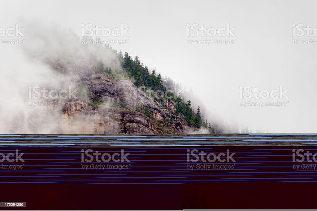 Brouillard Mist nuages suaire cette Colorado Rocky Mountain Bluff visage photo libre de droits