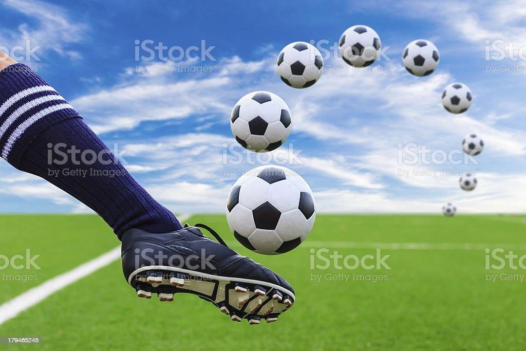 Piede calciare Pallone da calcio foto stock royalty-free