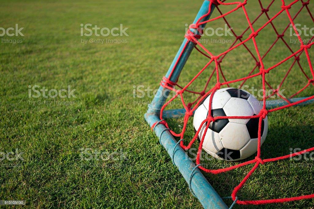 Fußball in Rotes Ziel netto 2 Lizenzfreies stock-foto