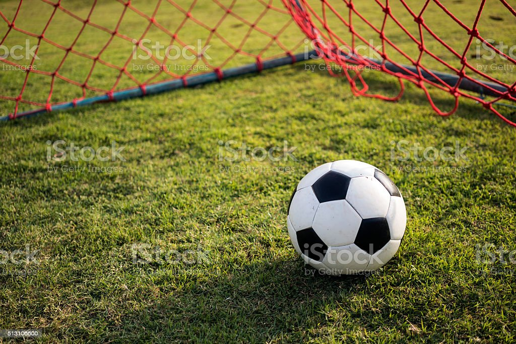 Fußball in rote Tor Tor 3 Lizenzfreies stock-foto