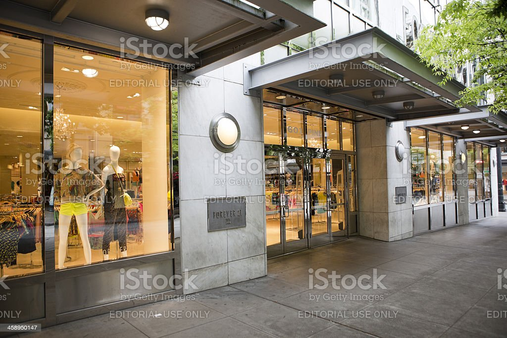 Forever 21 Young Womens Clothing Retailer in Seattle stock photo
