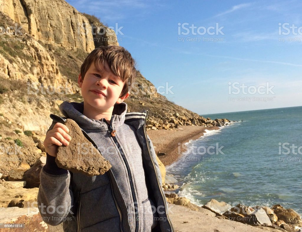 Fossil hunting on the jurassic coast stock photo