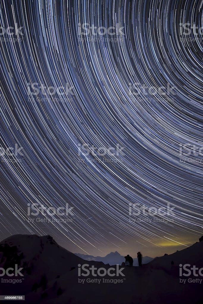 Fotografi immersi nella notte (startrail) royalty-free stock photo