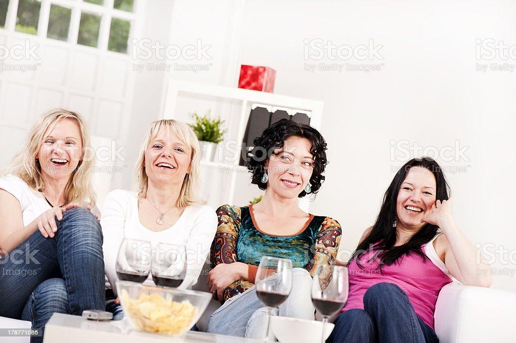 Смотреть вечеринки девушек фото 310-438