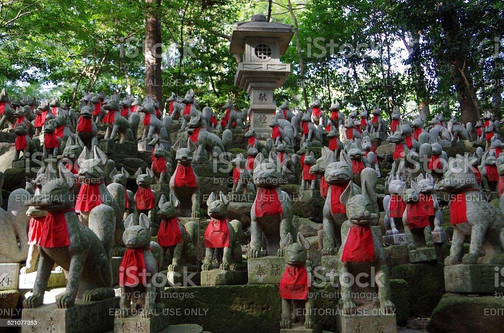 fox estatuillas que hizo de piedra foto de stock libre de derechos