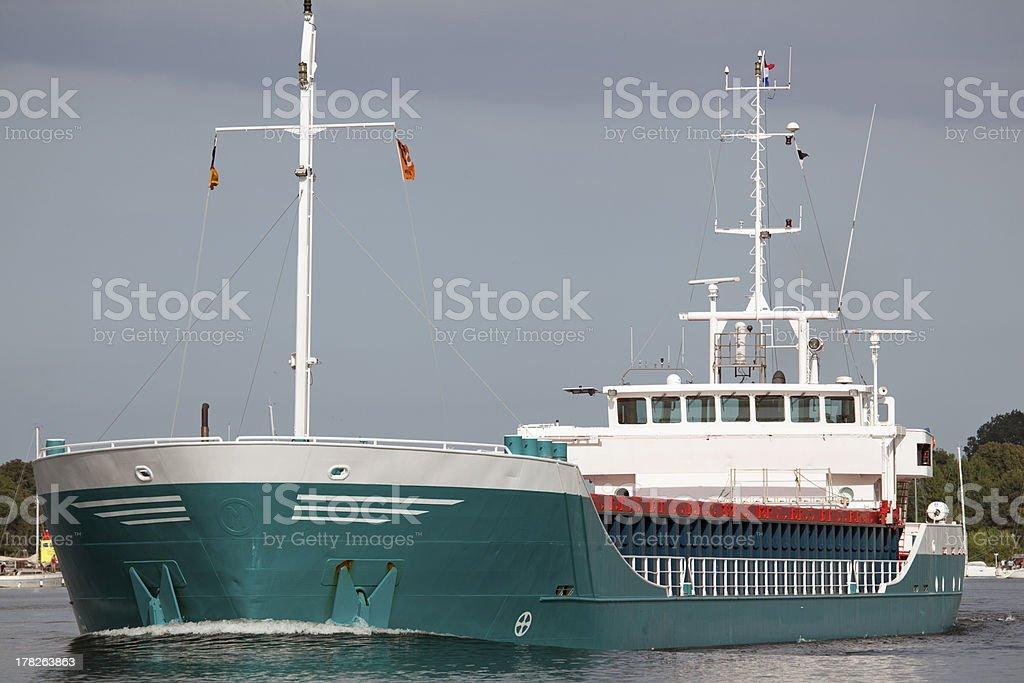Frachtschiff auf dem Nord-Ostsee-Kanal in Kiel, Deutschland stock photo