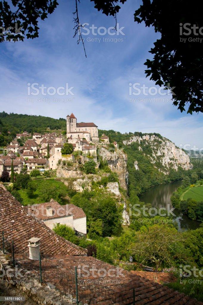 France, Midi Pyrenees, Lot, St Cirq Lapopie, historic clifftop village stock photo