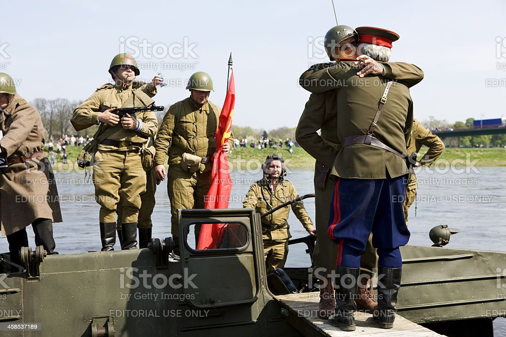 fraternization of russian and american soldiers stock photo