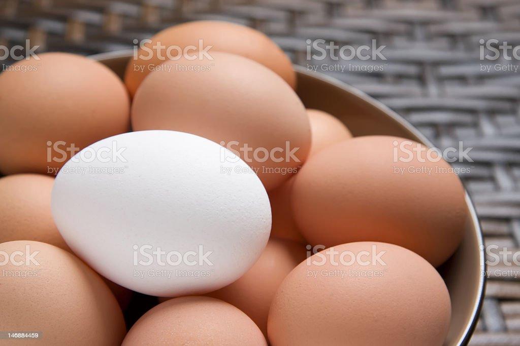Frische Eier In einer Schüssel Lizenzfreies stock-foto