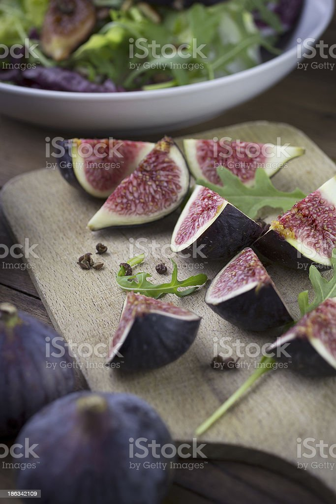 Quartiers de figues fra?ches pour entr?e douce et d?licieuse royalty-free stock photo