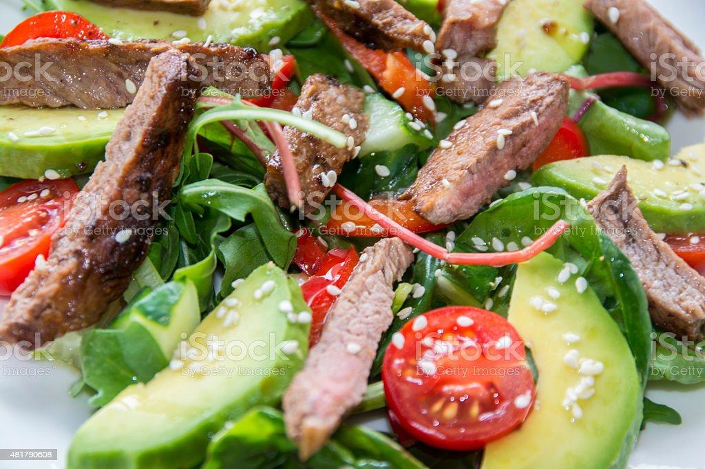 Carne fresca ensalada de verano foto de stock libre de derechos