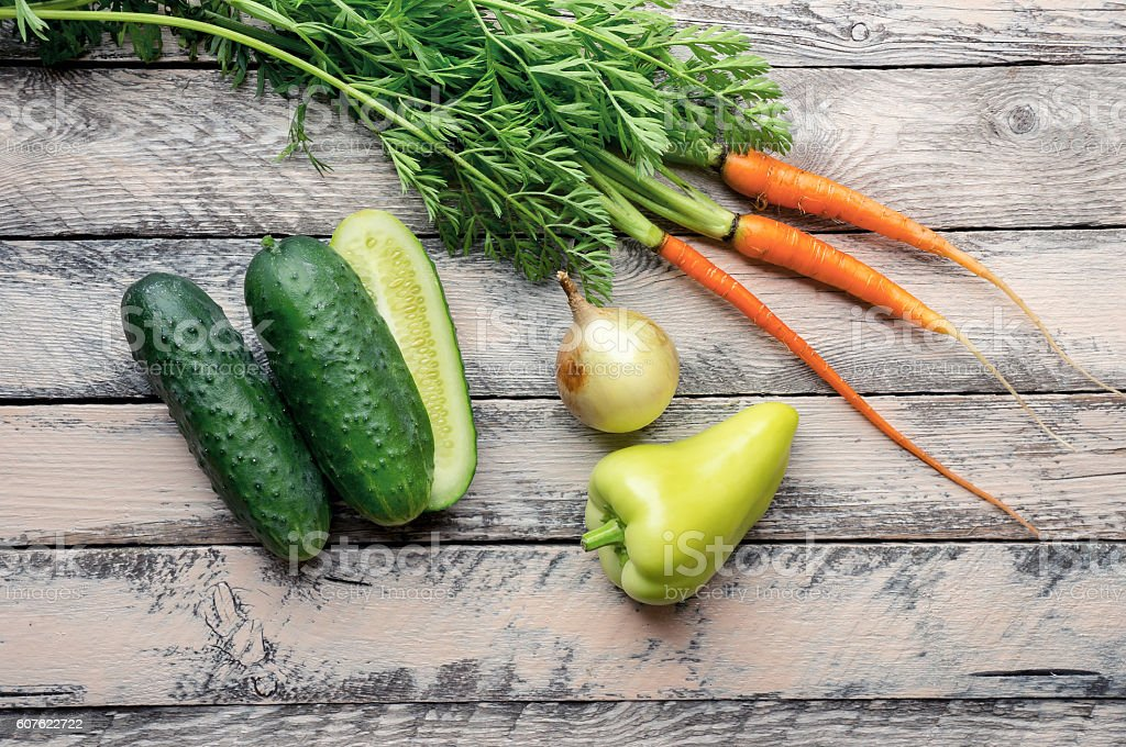 Fresh vegetables on wooden table. Top view foto de stock royalty-free