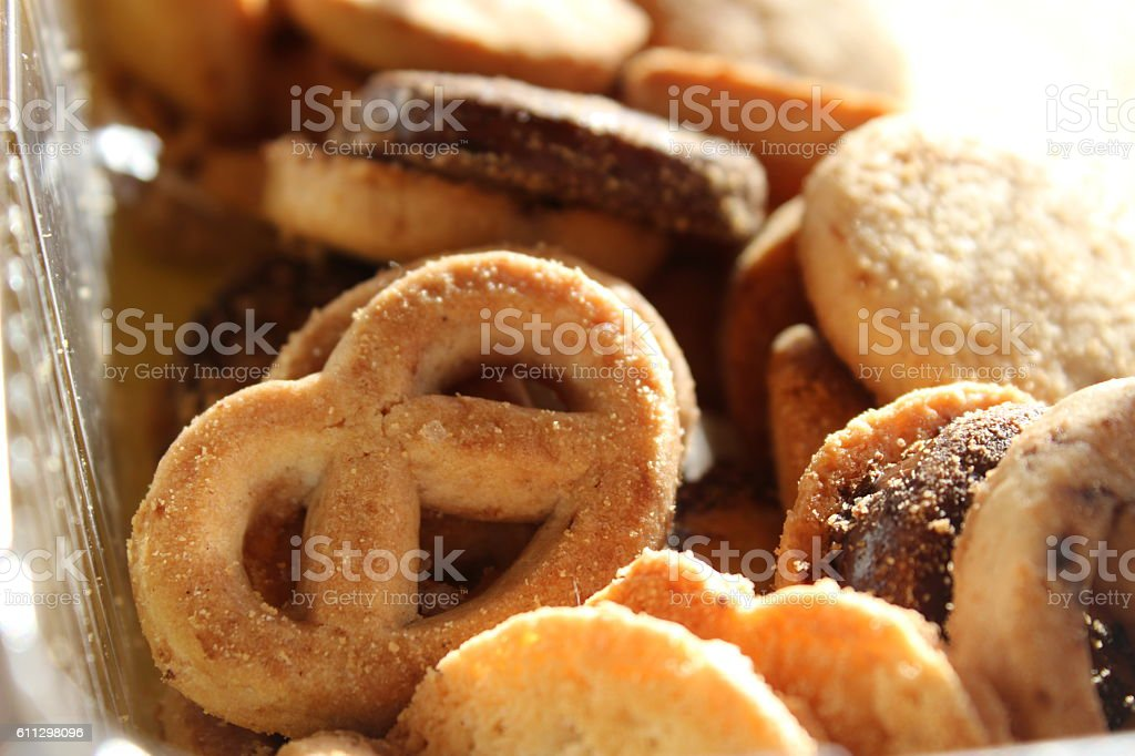 Sucre biscuits tout juste sortis du four photo libre de droits