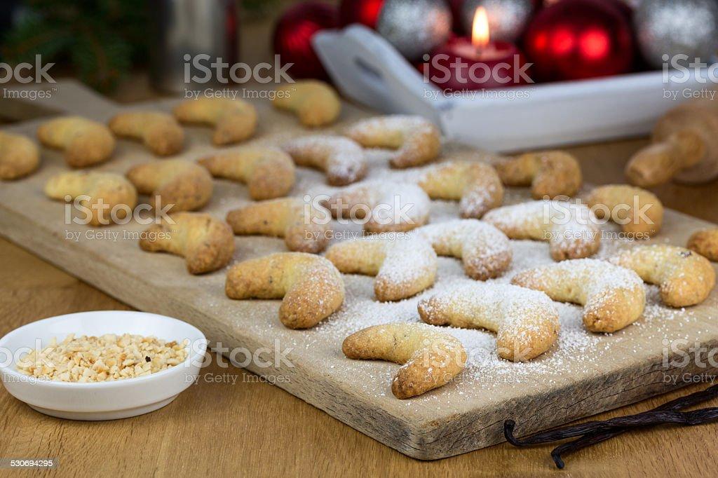 frisch gebackene Vanillekipferl stock photo