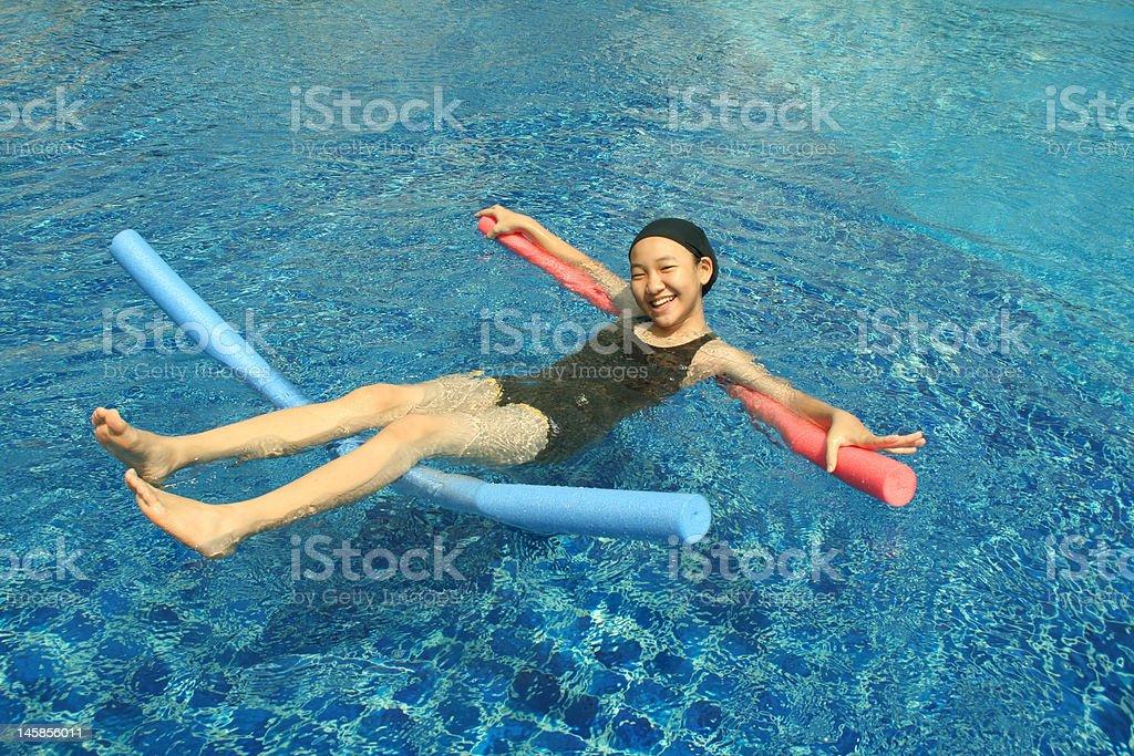Spaß im pool-(Serie Lizenzfreies stock-foto