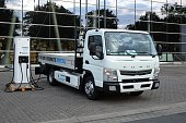 Fuso Canter e-Cell on the charging station