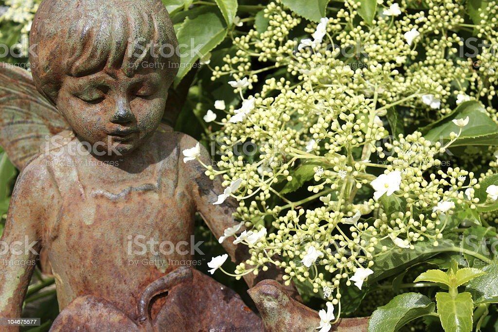 sculpture dans le jardin photo libre de droits