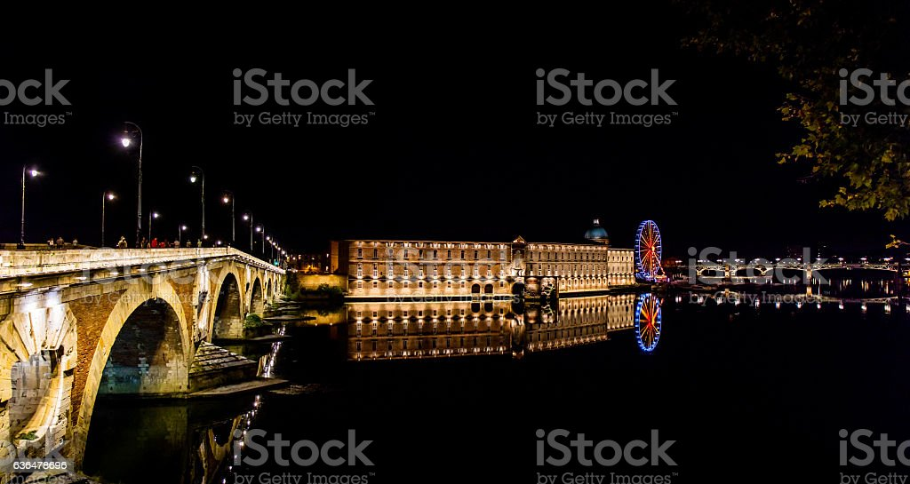 Garonne bei Nacht in Toulouse - Frankreich stock photo