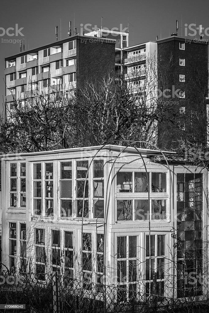 Gartenhaus und Wohnhaus stock photo
