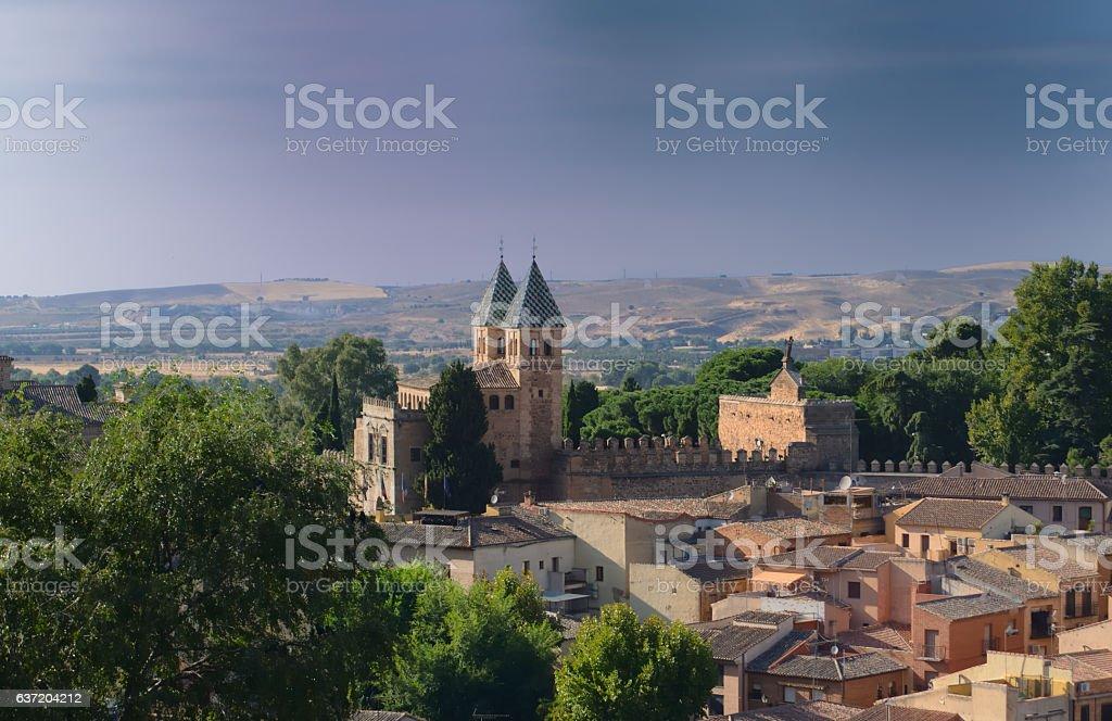 gate of entrance to medieval Toledo - foto de stock