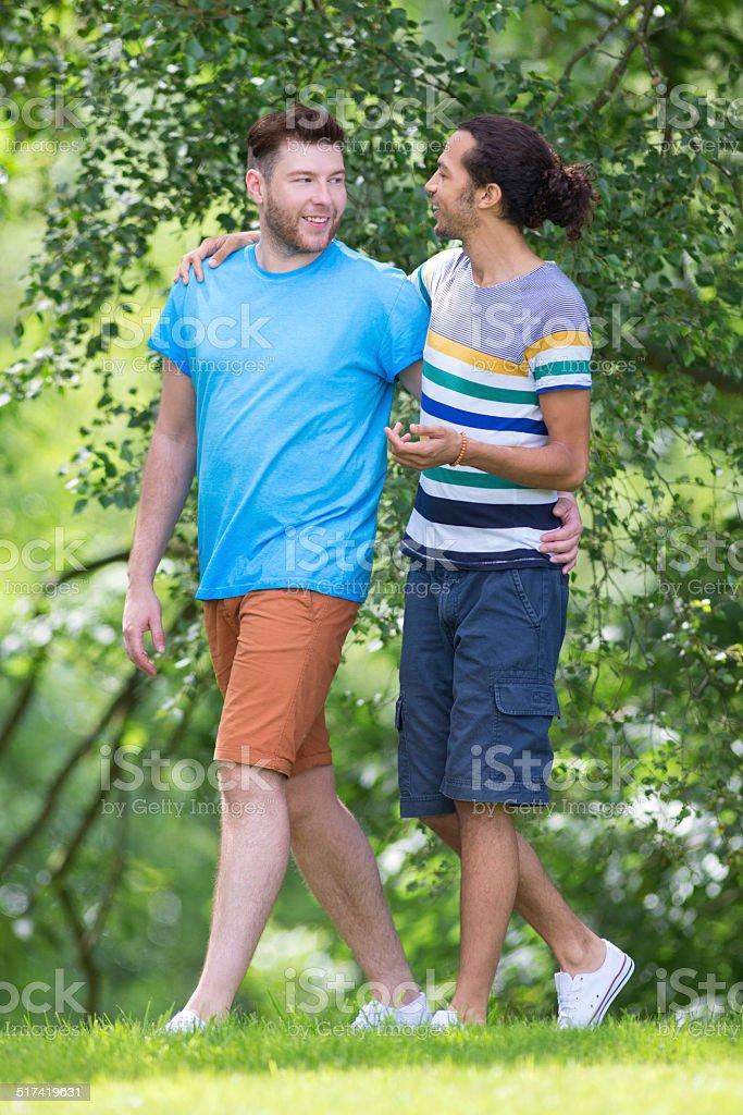 Гей на прогулке фото 440-519