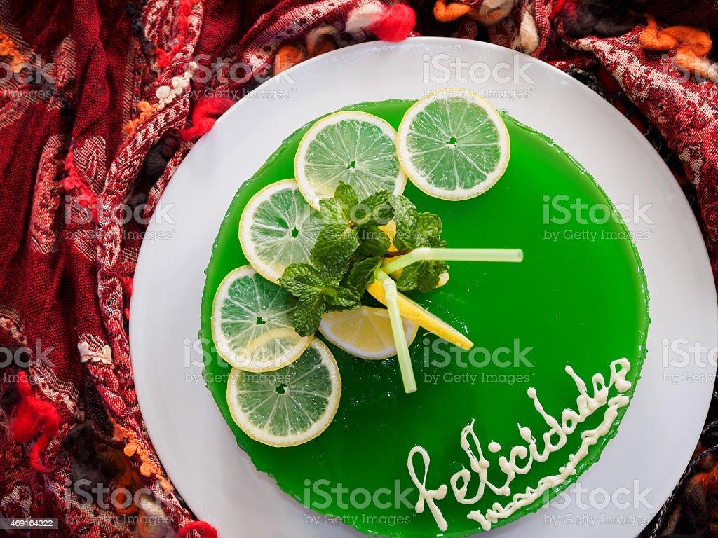 mojito bolo de gelatina com limão e hortelã foto royalty-free