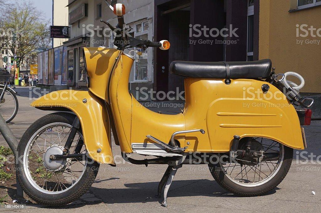 Gelbe Simson Schwalbe stock photo