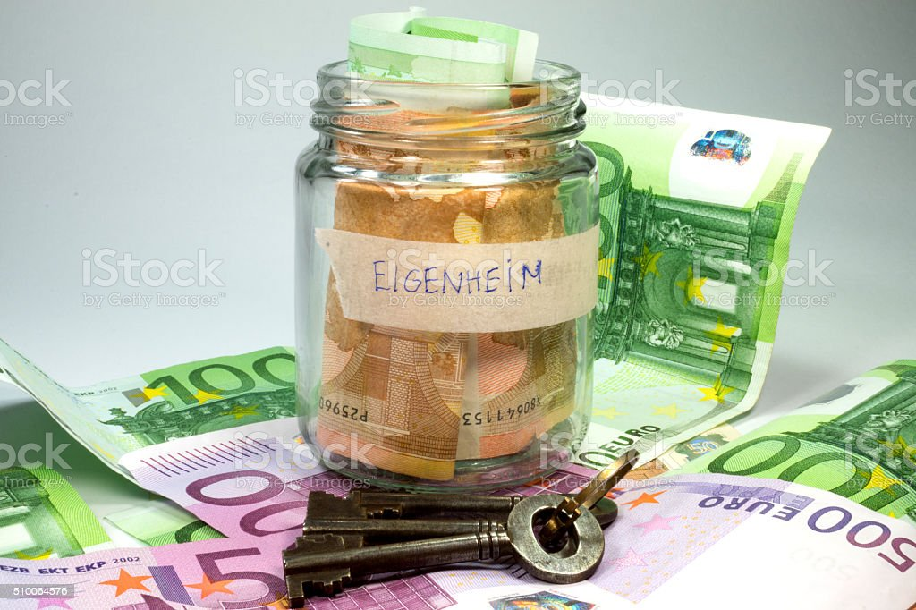 Geld für Eigenheim stock photo