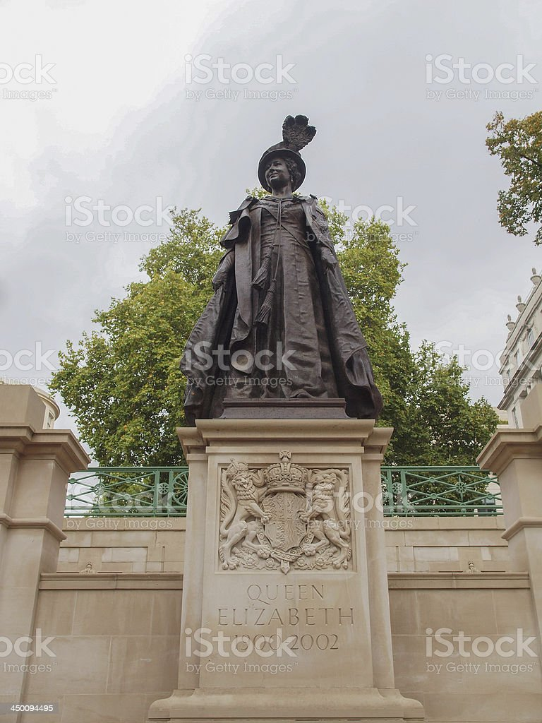 George and Elizabeth monument London stock photo
