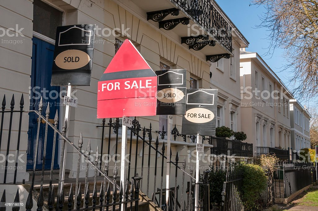 Georgian Style Homes For Sale In Cheltenham, England stock photo