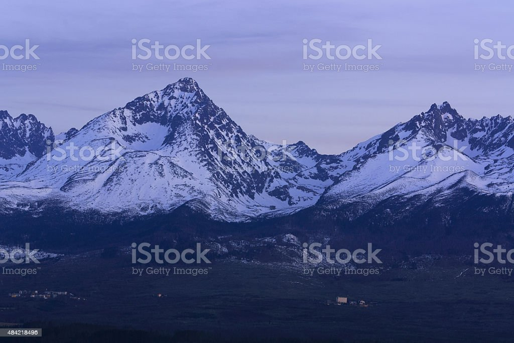 Gerlachovsky Stit de noche panorama foto de stock libre de derechos
