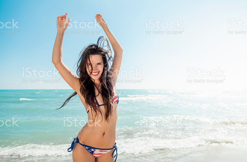 photo of girls at the beach № 16932