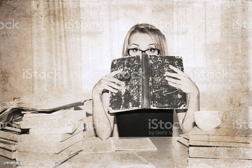 girl in the library royalty-free stock photo