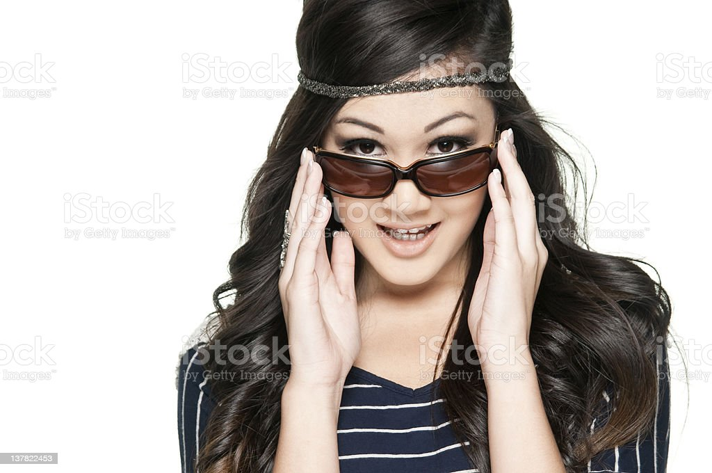 Chica mirando a usted foto de stock libre de derechos