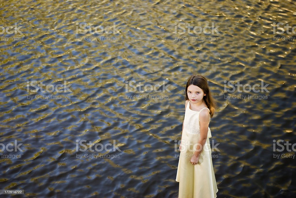 Mädchen auf dem Wasser Lizenzfreies stock-foto