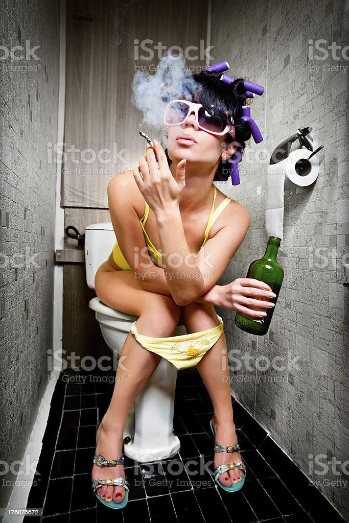 Фото с бутылками в женских влагалищах  158863