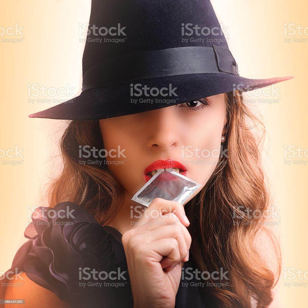 Девочку в презервативе фото 132-125