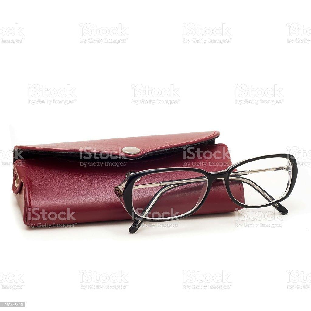 Gafas y caso aislado sobre un fondo blanco foto de stock libre de derechos