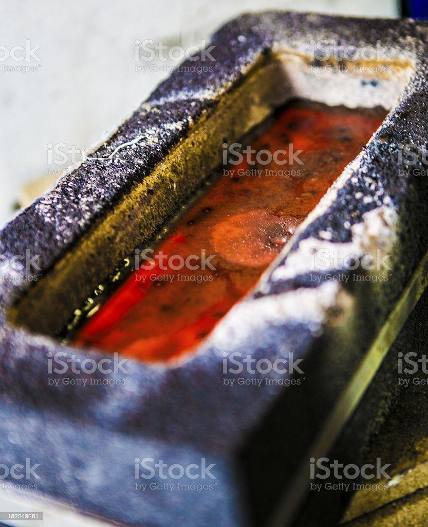 Goldbarren k?hlt ab stock photo